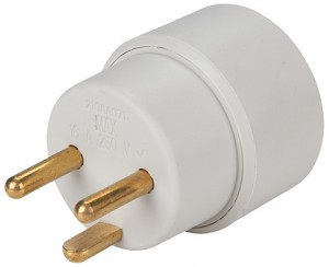 schuko-adapter-front